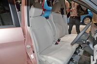 「デイズ X」の車内空間。