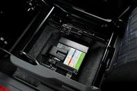「S-エネチャージ」用のリチウムイオンバッテリー。既存の「エネチャージ」用のバッテリーをベースに、大電流に対応できるよう改良を施したものだ。