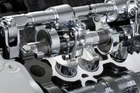 燃焼室から遠いスロットルバルブではなく、直前の吸気バルブで吸入量をコントロールすることで、アクセルレスポンスの向上が見込まれる。
