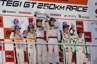 【SUPER GT 2010】PETRONAS TOM'S SC430、ノーウェイトのバトルを制す