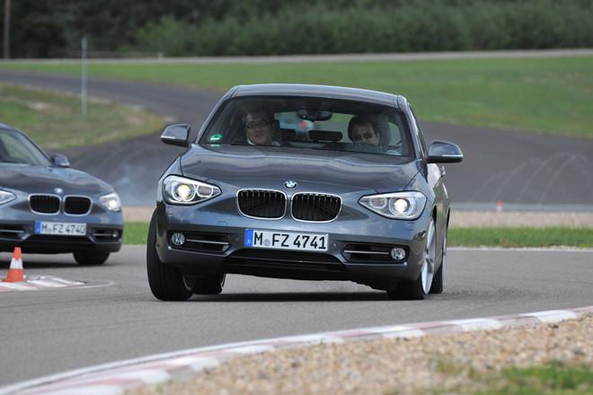BMW118iスポーツライン(FR/6MT)【海外試乗記】