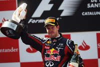 レッドブルのセバスチャン・ベッテル(写真)は、レース終盤のルイス・ハミルトンからの激しい突き上げにも屈せず、今シーズン4勝目を飾った。(Photo=Red Bull Racing)