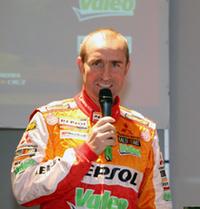 ステファン・ペテランセル。三菱で過去3回パリダカを制した彼は、2輪でも優勝経験がある。