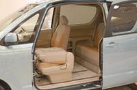【Movie】トヨタ、助手席に電動スライドドアを持つ新型「ポルテ」発売