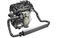 「セダン」と「ハッチバック」に搭載される、1.5リッター直4直噴ターボエンジン。