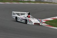 世界に4台しか現存しないうちの1台という超希少な1979年「ポルシェ936」。ルマンでは76、77、81年に勝利を飾っている。クラス3との混走だったレースでは「ローラT70MkIIIB」をバトルの末に下し、総合結果はクラス4の3位。