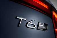 試乗会場には「T6」および「D5」グレードの、ともに4WD仕様が用意されていた。今回はT6は主に「S90」で、D5は「V90」でテストしている。