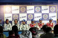 写真右から、優勝チームのNo.8アウディR10 ウェルナー、ピロ、ビエラ選手。2位のNo.17ペスカローロC60 ロウブ、モンタニー、エラリー選手。来年のドイツvsフランスのディーゼルエンジン競争でも、このような顔ぶれが揃うのだろうか?