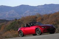 スリーサイズは全長3915×全幅1730×全高1235mm(日本仕様の開発目標値)。試乗車はプロトタイプ。