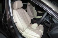 「A4 2.0 TFSI」のフロントシート。色や素材の違いにより、シートは全6種類が用意される。