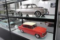 おそらくいずれもワンオフのため、ある意味実車以上に貴重な1/5のスケールモデル。これらは「トヨペット・コロナ」のモデルだが、本家本元のメーカー製だけあってプロポーション、ディテールともに文句なし。