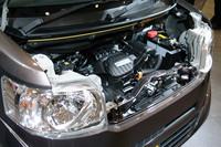 広い居住空間を実現する、小さなエンジン。自然吸気とターボの2種類が用意される。