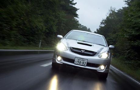 トヨタ・カルディナGT-FOUR Nエディション(4AT)……319.0万円2002年9月13日、3代目となったトヨタ「カル...