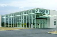 日産、九州工場の見学者用「ゲストホール」をリニューアルの画像