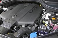 「GL350ブルーテック4MATIC」の3リッターV6ディーゼルターボエンジン。
