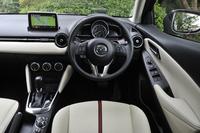 「XDツーリング Lパッケージ」の室内。運転席まわりはドライビングに集中できるようにデザインされている。