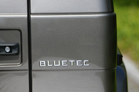 今回試乗したのは、3リッターV6ディーゼルエンジンを搭載した「G350ブルーテック」。日本でのラインナップにディーゼル仕様が設定されるのは、実に23年ぶりのこと。
