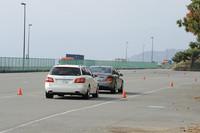 「ディストロニック・プラス」により、先行車に追従しているところ。前方のクルマが加速すれば自動的に加速し、停止すればこちらも止まる。0〜200km/hの範囲で作動する。