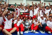 マクラーレンやBMW、ルノーら強豪を後ろに従えてのレースランで3位表彰台を獲得したトゥルーリ。トヨタにとって2年半ぶりのポディウムは、事故でこの世を去った元チームリーダー、オベ・アンダーソンへの弔いとなった。