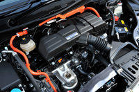 パワーユニットの基本構造は「アコード ハイブリッド」と共通だが、モーターの出力が169psから184psに高められている。