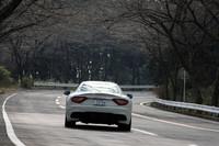 マセラティの量産車で、初めて300km/オーバーという最高速度を掲げる「MCストラダーレ」。0-100km/hの加速タイムは、4.6秒。