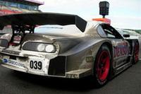 計616周を走破し、すっかり汚れてしまったNo.039DENSO SARD スープラ HV-R。 日本のモータースポーツ界に新たな歴史を刻み込んだ車両の後姿は、長くタフな戦いを感じさせる。