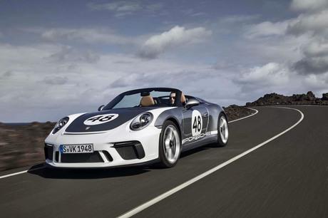 スタイリッシュなオープンボディーに500psオーバーのハイチューンエンジンを組み合わせた限定車「ポルシェ9...