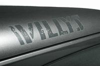 悪路走破性を強化したジープ、150台限定で発売の画像
