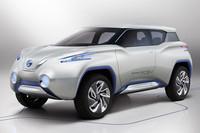 日産、4WDの燃料電池車「テラ」を出展【パリサロン2012】