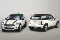 「MINI」の「グリーン・パーク」装着車(左)と、「MINIクラブマン」の「ハイド・パーク」装着車。