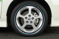 カラー印刷が施された「色つきエコタイヤ」登場の画像