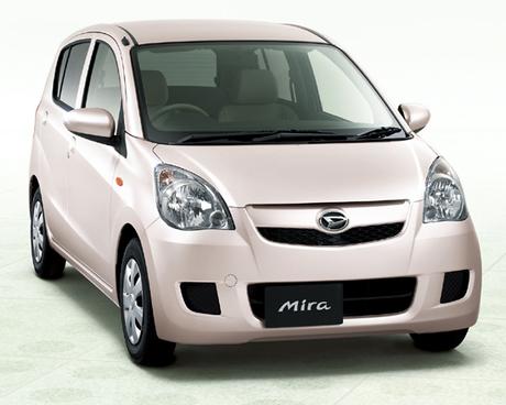 ダイハツの軽乗用車「ミラ」がフルモデルチェンジされ、7代目に。ベーシックな「ミラ」と、上級「ミラカス...