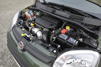 1248ccのマルチジェット・ディーゼルエンジンは75psと19.4kgmを発生する。
