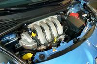 1.6リッター直4エンジンにはアルミ製インテークマニフォールドや直径61mmの大径スロットルボディが採用されているほか、各所にファインチューンが施されている。