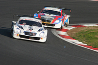 スーパーGT選手権を戦った5台のレクサスSC430(GT500、写真)と3台のMR-S(GT300)による模擬レース。