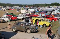 ポーランドの古都トルンの飛行場で開催された、第21回「インターナショナル・ミーティング・オブ2CVフレンズ」(2015年7月28日~8月2日)。