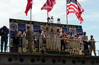 優勝したチャンピオンレーシングはアメリカからのエントリー。かの地のチームによる38年ぶりの勝利となった。また「アウディR8」は、過去67戦して54回目の優勝と、ずば抜けた戦績を残した。来年は次期「R10」に道を譲るといわれている。今年のルマン勝利は名マシンにとって最後の花道となるだろう。