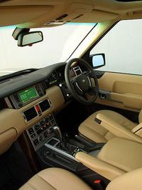 すべてのインテリアトリム、シート生地、シートカラーとカーペット、ボディカラーを合わせると、実に445通りのバリエーションとなる。