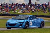 ホンダが開発を進めている、新型「NSX」の試作車。