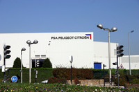 PSAポワシー工場。その歴史は1938年のフランス・フォード工場にさかのぼる。