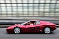 参考までに、筆者がかつて乗っていた「フェラーリ512TR」。流麗なエアインテークのフィンが外観上の特徴。(写真=池之平昌信)