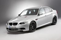 BMW、軽量&高性能バージョン「M3 CRT」を発表
