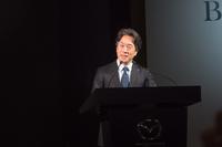 出展概要を説明するマツダの毛籠勝弘常務執行役員。