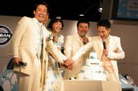 結婚式といえばウエディングケーキ。ということで、みずたマーチ特製ウエディングケーキが登場し、みんなでケーキカット!