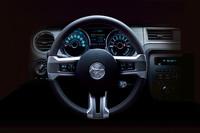 フォード、「マスタング」のデザインを一新の画像