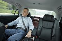 後席の足元スペースが75mm拡大したおかげで、ゆったりとくつろぐことができる。
