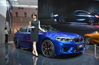 四輪駆動システムを搭載する新型「M5」。600psの最高出力を誇る。
