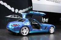 ドアの構造は、ベースモデルの「SLS AMGクーペ」と同じガルウイング式となる。