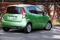「水がはねる、飛び散る」という意味の「SPLASH」という車名は、毎日がみずみずしく新鮮であってほしいという願いが込められたもの。ヨーロッパでもこの車名で売られている。