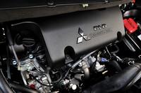 新開発の2267cc直4クリーンディーゼルエンジンは148psを発生。JC08モード燃費は13.6km/リッター。